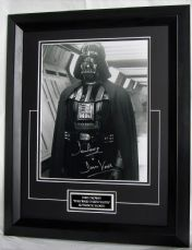 "DP4DVSWEBF DAVE PROWSE - ""DARTH VADER"" SIGNED"
